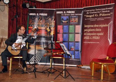 Martin Bickerton (Inglaterra) interpretanto una pieza del concurso.