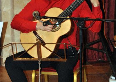 Roman Zorkin (Rusia) interpretanto una pieza del concurso.