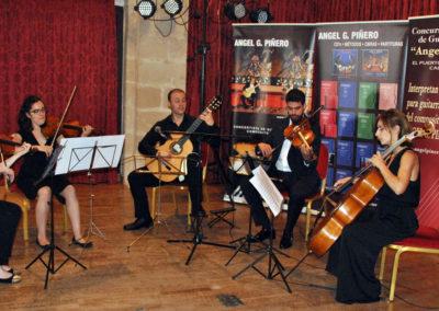 El ganador Jonathan Esteve (España) con el cuarteto de cuerda Chagall.