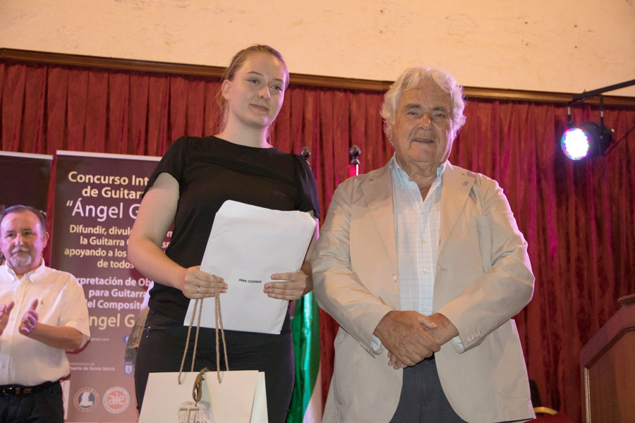 Ana Cizmek 4º premio del concurso