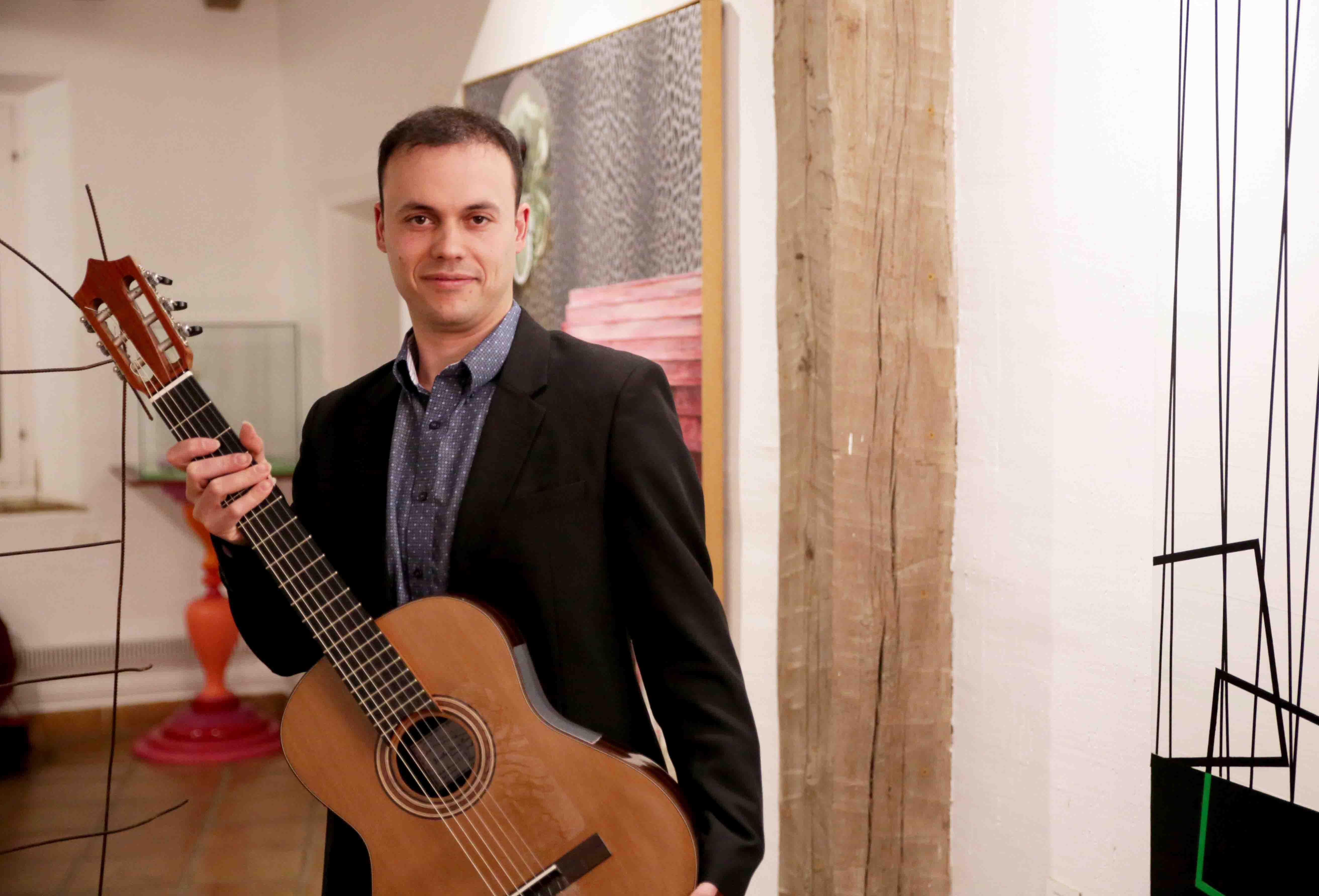 Jonathan Esteve Aranda, primer premio del V Concurso Internacional de Guitarra Clásica Ángel G. Piñero, actuará en El Puerto de Santa María el cinco de diciembre